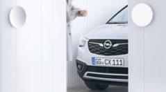 В сети появился тизер нового кроссовера Opel Crossland X