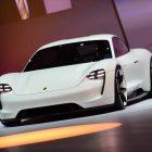 Porsche Mission E провела проверку в Германии
