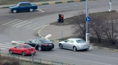 Современные авто могут шпионить за водителями