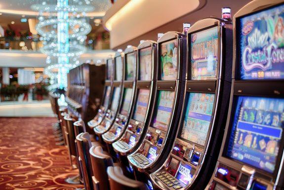 Как играть в клубе Адмирал на деньги: регистрация, выбор автомата, преимущества платной игры